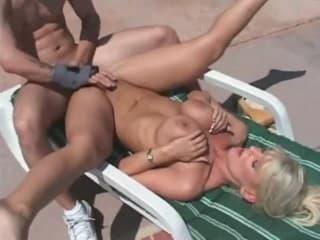 Film rare ce dernier sous les yeux bandes tube porno rondes