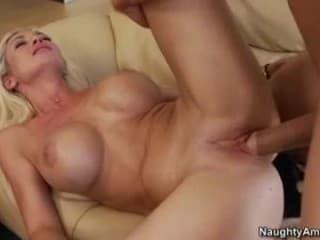 Xnxx les partouzes avec une milf hd sexe hard avec femme