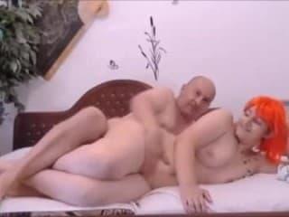 Superbe couple français baise plage