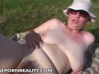 Videos trans gros sein et debutantes pincees du plaisir a sec