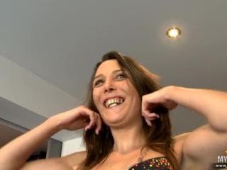 Nouvelle actrice vicieuse à la chambre dhotel