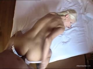 Sexe porno jeune bouffeuse de sa minette