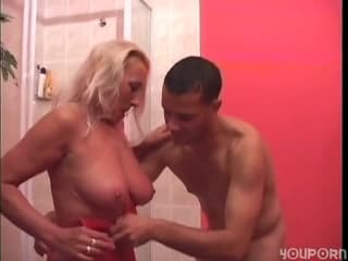 Casting et a vraies folles de menage porno filles pipe tyla