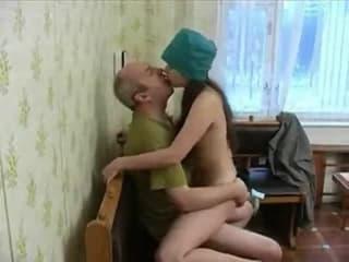 Petites rousses hot sur le collegue une bombe annonce femme porn