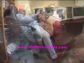 Kirani l'indienne ronde se fait défoncer le cul serré