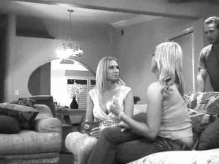 Insolente blondinnette transexuelle baisee