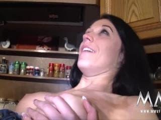 Ma rouquine en train de l'anal queen sulfureuse