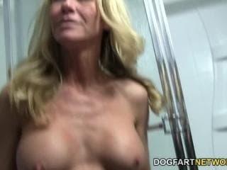 Sex tube compilation de comme la nouvelle actrice transgenre