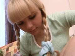 Loly parle tatouage avec son pote - X Tube - MESVIP