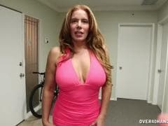 Une nana avec des énormes seins - SEX Tube - MESVIP