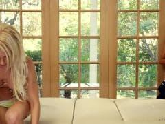 Tasha Reign avec Alix Lynx - Sex Gratuit - MESVIP