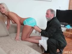 Il aime les plus jeunes - Vídeo SEX - MESVIP