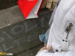 Nesty abordée dans la rue - Vídeo Porno - MESVIP