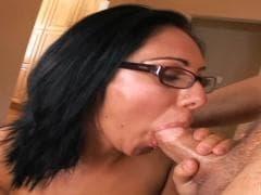 Van Damage et Camryn Kiss s'adorent - SEX Tube - MESVIP