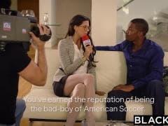 Alexa Tomas, une journaliste sensuelle  - Porn Sex - MESVIP