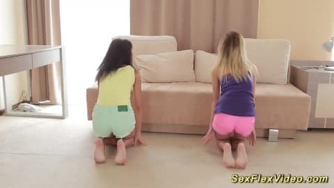 flexible twins nakes stretching
