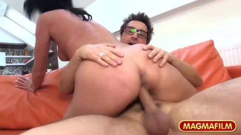 Conny Loves Milf Pussy