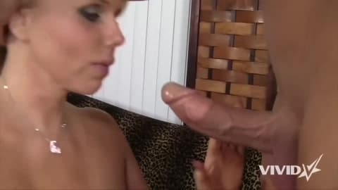 Milf Karen Fisher takes care of her athletic client