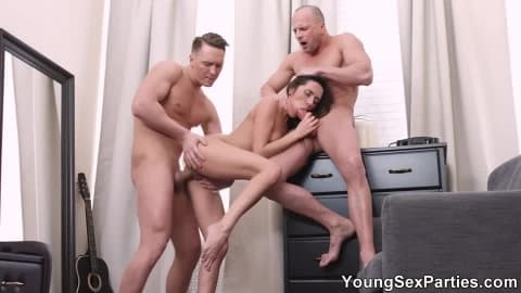 Young Sex Parties – DP for gorgeous nubile