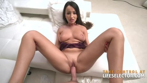 Alyssia Kent – Brunette MILF in HardCore Action